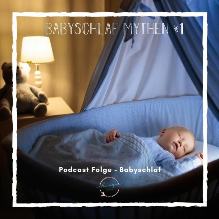 Schlafendes Baby in Wiege